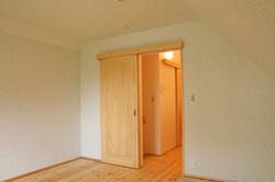 寝室から階段ホール